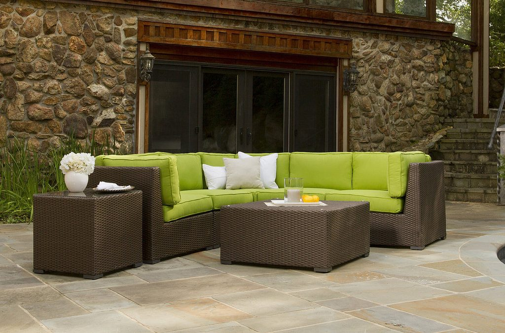 How to Build a 2×4 Outdoor Sectional Tutorial